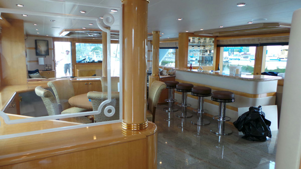 Yacht-Interior-Lake-Forest-Park-WA
